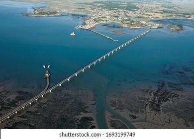 Photo aérienne du pont de l'île d'oléron, département Charente-Maritime, région Poitou-Charentes, France, Europe