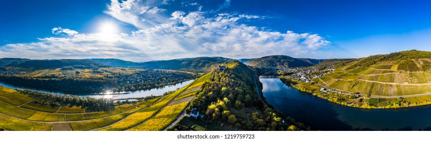 Aerial photograph, Moselle loop near Pünderich with youth ministry Marienburg, Germany