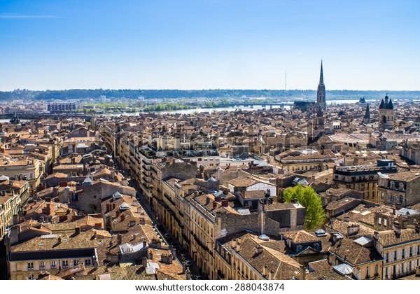 Vue aérienne de la ville de Bordeaux en France