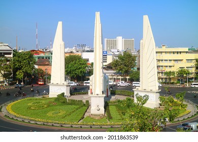 Aerial View of Democracy Monument to Commemorate the Siamese Revolution of 1932, Located on the Roundabout of Ratchadamnoen Avenue, Bangkok, Thailand, 1st Jan 2021