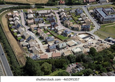 aerial view of an expensive housing estate in Oxfordshire, UK
