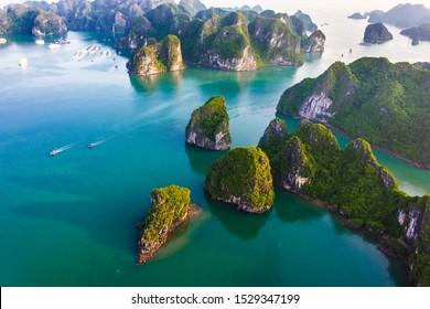 Vue aérienne de Ha Long Bay, Vietnam.