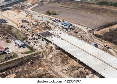 Luftbild der Autobahnbaustelle in Polen