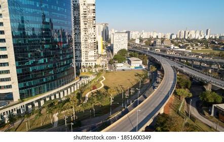 Aerial view of Jornalista Roberto Marinho avenue, near Ponte Estaiada (Estaiada bridge), in Sao Paulo city, Brazil.