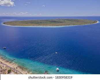 An aerial view of little Bonaire the tiny island next to Bonaire. This small island is inhabited on tourist will come to the little beaches