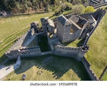 Luftaufnahmen beim Montebello Schloss Bellinzona auf den Schweizer Alpen, Unesco Weltkulturerbe der Unesco