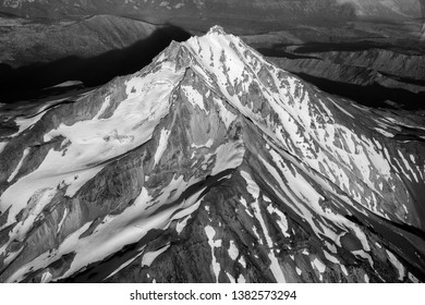 Aerial view of mount Jefferson Oregon