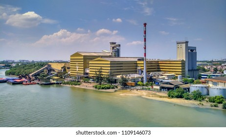 Aerial view of MSM Prai Berhad factory that operates the Prai sugar refinery in Penang. Located on the northwest coast of Peninsular Malaysia, the facility is the country's largest sugar refinery.