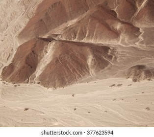 Aerial view of the Nazca Lines - Owlman (astronaut), view from a distance, Peru, 2011
