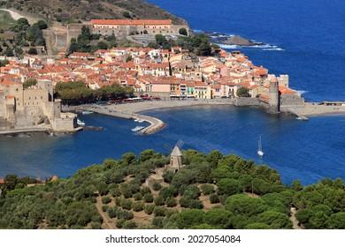 Vista aérea del antiguo pueblo de Collioure, en la Côte Vermeille
