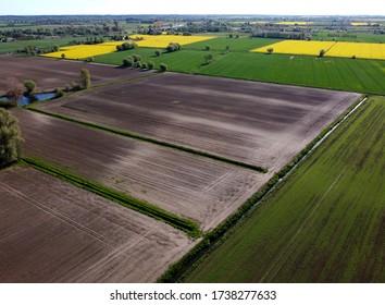 Luftbild auf Feldern, Zulawy Wislane, Polen