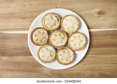 Aerial view of a plate full of freshly baked mince pies on a wooden kitchen counter & Christmas Plate Mince Pies Images Stock Photos \u0026 Vectors | Shutterstock