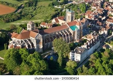 Aerial view of Sainte-Marie-Madeleine Basilica in Vézelay, Yonne department 89450, Bourgogne-Franche-comté region, France