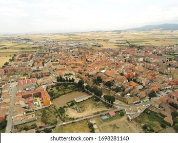 Luftbild in Santo Domingo de la Calzada. Camino de Santiago. La Rioja, Spanien. Drohnenfoto