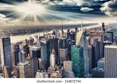 Aerial view of the skyline of manhattan.