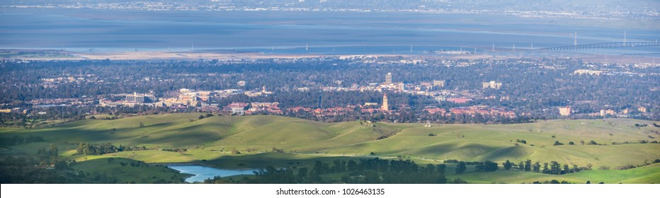 Aerial view of Stanford; Palo Alto, Menlo Park, Redwood City and the San Francisco bay shoreline in the background, Silicon Valley, California