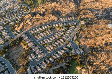 Aerial view of suburban cul-de-sac homes and streets near Los Angeles in Simi Valley, California.