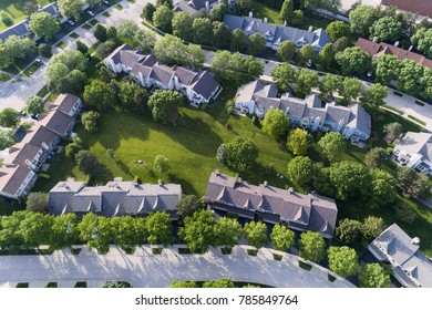 Aerial view of a townhouse complex in a Chicago suburban neighborhood in summer. Palatine, IL. USA
