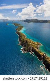 Luftbild verschiedener Buchten in der Nähe der Insel St. John auf den Amerikanischen Jungferninseln.