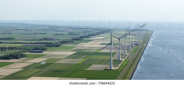Aerial view of windpark Westermeerwind in the Dutch Noordoostpolder, Flevoland and the IJsselmeer, near the town of Urk.