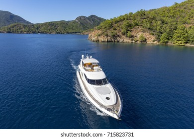 Aerial view yacht on sea