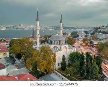Aerial view of Yeni Valide Mosque,an Ottoman mosque in Uskudar district of Istanbul