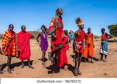 Africa Kenya. Residents of the Masai Mara tribe dance the national dance. The nationalities of Africa. The Masai Mara tribe in Kenya. 31.12.2005