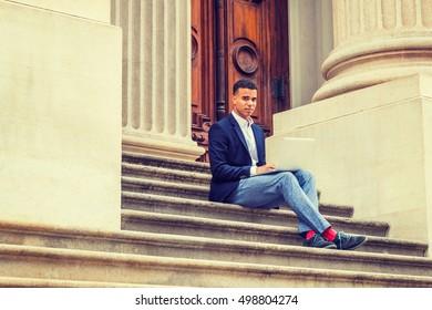 Студентка в носках парней женской