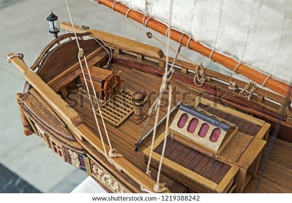aft-part-scale-model-sailing-600w-121938