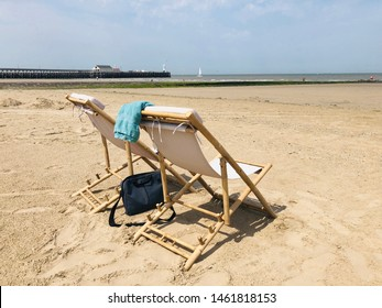 After the European heatwave of 25th of Juli 2019, its time to spend the rest of warm summer vacation days at in a nice set of garden/beach chairs while on holiday in Blankenberge, at the Belgian coast