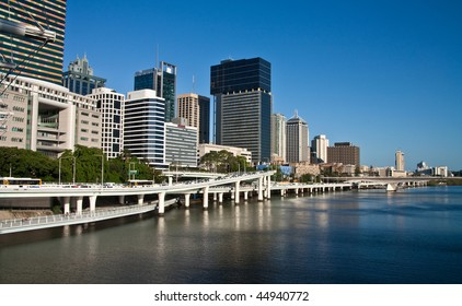 Afternoon view of Brisbane city and Brisbane river, on a clear day.