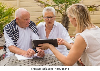 agent selling loan to senior couple
