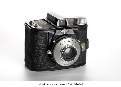 Agfa Clack, one of the most popular European family camera's in the fifties!  It takes 6×9 cm pictures on 120 film.