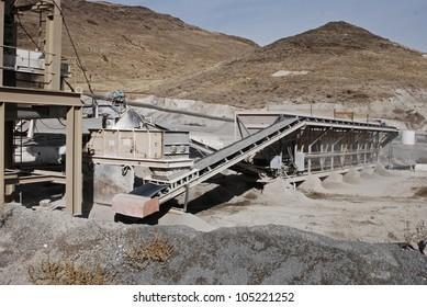 Aggregate sifting at an asphalt manufacturing plant, Nevada, USA