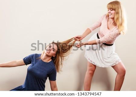 Sort lesbisk katfight