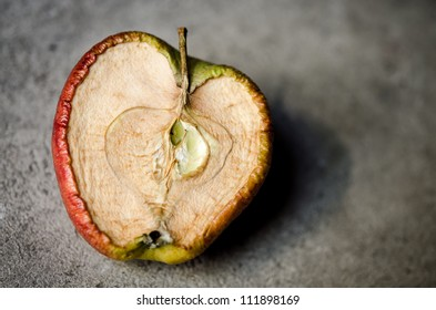 Aging apple