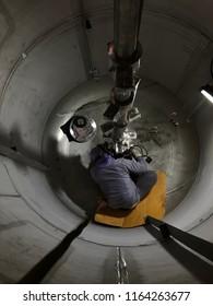 Agitator shaft alignment inside Pressure Vessel