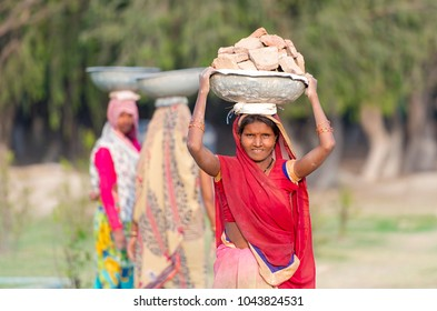 AGRA - FEB 28: Indian Woman Worker in Agra on February 28. 2018 in India