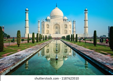 Agra, Uttar Pradesh, India - 21 October 2015: Day trip to Taj Mahal