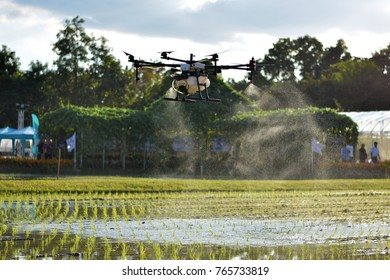 Agriculture Drone For Spraying Fertilizer And Pesticides In
