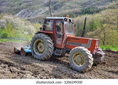 AGRICULTURE TRACTOR works