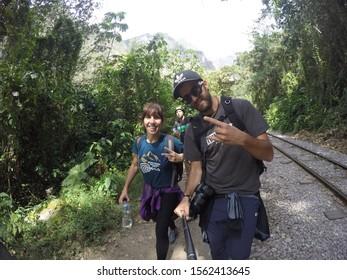 Aguas Calientes, Peru »; August 2017: A couple doing the trekking to Aguas Calientes