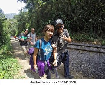 Aguas Calientes, Peru »; August 2017: A group doing the trekking to Aguas Calientes