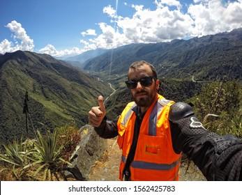 Aguas Calientes, Peru »; August 2017: Cheerful in the Downhill by bike to Aguas Calientes, in the Inca Jungle