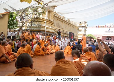 AHMEDABAD, GUJARAT/INDIA - March 3rd Sunday 2013 : Pramukh Swami Maharaj comes in public to meet the devotees of Swami Narayan in shahibaug temple, in Ahmedabad,India.