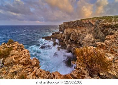 Ahrax fallen cave, Cave Malta, Dive site