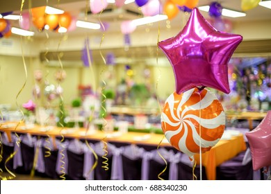 air balloon decorated party hall