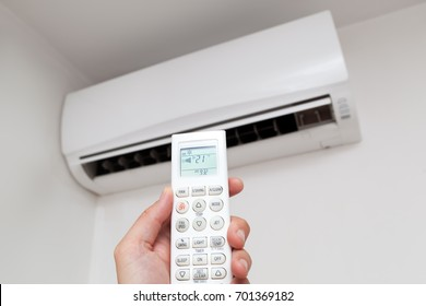 Air conditioner controling by using remote control
