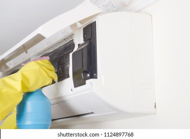 Air conditioner service and maintenance  : Indoors unit