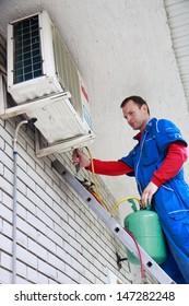 Air conditioner worker